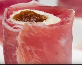 rollitos de membrillo con jamón